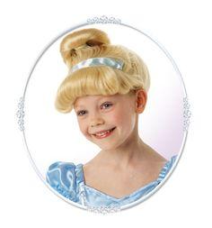 Disney Lasten Tuhkimo -peruukki. Lasten Disney Tuhkimo-peruukki on lisensoitu Disney-tuote.
