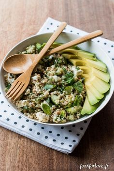 salade quinoa concombre feta menthe avocat (14 sur 16) Avocado Quinoa, One Pot Pasta, Detox Soup, Feta, Entrees, Nutrition, Food And Drink, Veggies, Lunch