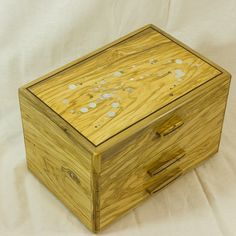 Here is a portfolio gallery of some of the wood crafts and gifts I have made. From comissions to one off items for sale. Hope Chest, Wood Crafts, Storage, Gallery, Handmade, Gifts, Home Decor, Purse Storage, Hand Made