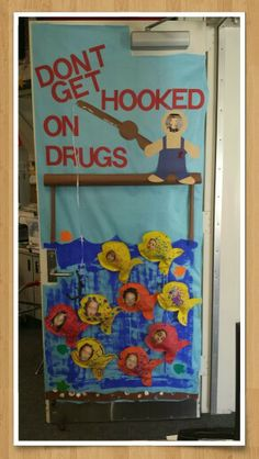 Red ribbon week door. Fall Crafts For Toddlers, Toddler Crafts, School Art Projects, Projects To Try, Drug Free Door Decorations, Crazy School Day, Drug Free Posters, World History Classroom, Red Ribbon Week