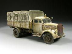"""German Opel Blitz truck, 1/35 scale. By Miguel """"MIG"""" Jimenez. #WW2 #scale_model http://migjimenez.blogspot.jp/2010/10/opel-blitz-out-of-box.html"""