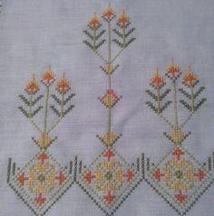 Cross Stitch Borders, Cross Stitch Designs, Cross Stitch Patterns, Diy And Crafts, Paper Crafts, Bargello, Crochet Doilies, Machine Embroidery, Handmade