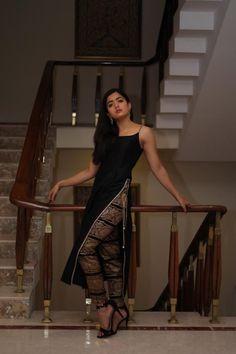 South Indian Actress Photo, Indian Actress Photos, Indian Actresses, Dehati Girl Photo, Girl Photo Poses, Girl Poses, Beautiful Girl Indian, Most Beautiful Indian Actress, Dress Indian Style