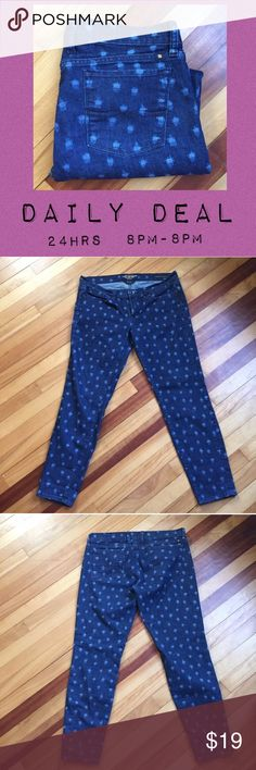 """Lucky Brand CHARLIE Skinny Dot Jeans Great jeans by Lucky Brand. Featuring a fun dot pattern, these jeans have good stretch (93% cotton, 5% polyester, 2% spandex). Waist measures 17.5"""" across; Rise 9""""; Inseam 29"""". EUC Lucky Brand Jeans Skinny"""