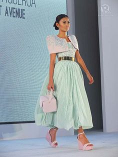 ' Beads, embroidery, a Filipiniana silhouette combined with the New Look make Tammie Figueroa's outfit unforgettable Modern Filipiniana Dress, Filipino Culture, How Beautiful, New Look, Midi Skirt, Event Dresses, Traditional, Giambattista Valli, Formal