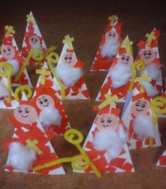 nice to do with young children on the Sinterklaas theme The Effective Pictures We Offer You About christmas art A quality picture can tell you … Christmas Art, Christmas Ornaments, Kindergarten Portfolio, I Love Winter, Saint Nicholas, Christmas Activities, Holidays And Events, Diy For Kids, Crafts For Kids