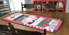 Batik table runner as featured in Quilter's World magazine Picnic Blanket, Outdoor Blanket, Table Runners, Magazine, Quilts, Rugs, Home Decor, Farmhouse Rugs, Patch Quilt