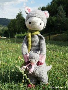KIRA the kangaroo made by Mamzelle P / crochet pattern by lalylala ♡