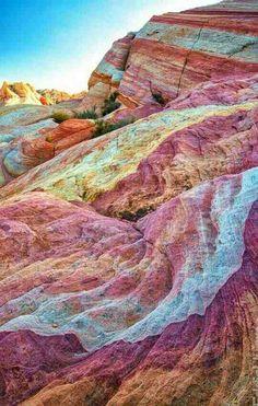 Q roca mas hermosa de colores.