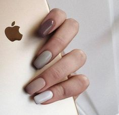 Ideas for nails grey brown manicures You are in the right place about nail colors neutral Gray Nails, Brown Nails, Glitter Nails, Elegant Nail Designs, Nail Art Designs, Trendy Nails, Cute Nails, Minimalist Nails, Perfect Nails