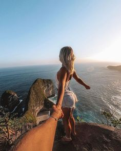Kelingking Beach Nusa Penida with Nastja & Hannes Best Of Bali, Turquoise Water, Bali Travel, Walking In Nature, Travel Couple, Aesthetic Pictures, Poster, Around The Worlds, The Incredibles