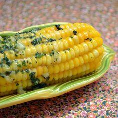 Para comer sem culpa! Em comparação às demais comidas típicas das festas juninas, o milho cozido pode ser considerado uma das opções mais saudáveis! Rico em fibras, auxilia no controle de doenças digestivas. Só não exagere na quantidade de manteiga temperada! Rs. Mas não deixe de fazê-la, de tão deliciosa pode ser combinada até …