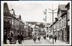 Troms fylke Harstad  gatemotiv med syklende og gående. Utg Mittet, stemplet 1910