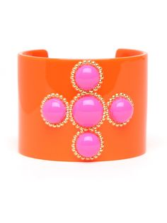 Go bold and utterly brazen with this flashy, splashy cuff. Cast in Day-Glo orange and pink, it features audacious cabochon baubles trimmed in twisted gold. via BaubleBar Neon Jewelry, Jewelry Shop, Jewellery, Pink Color, Orange Color, Orange Pink, Fashion Necklace, Fashion Jewelry, Shops