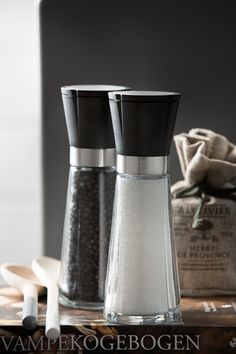 Rosendalh Grand Cru Salt and Pepper mill Black, steel and clear