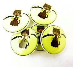 5 Halloween Buttons.  3/4 or 20 mm Handmade by buttonsbyrobin, $9.99
