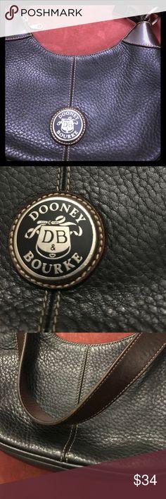 Dooney Bourke Purse perfect condition Dooney Bourke Purse perfect condition Authentic, normal wear, gently used. Dooney & Bourke Bags Hobos