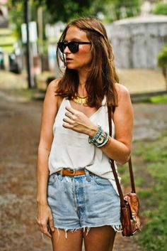 chain necklace, white tank, brown belt, shorts, sandals