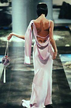 Alexander McQueen for Givenchy Haute Couture Fashion Killa, 90s Fashion, Runway Fashion, Fashion Show, Vintage Fashion, Fashion Outfits, Fashion Design, High Fashion Dresses, Haute Couture Style