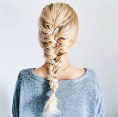 Love braiding a cute guy's hair. My Hairstyle, Messy Hairstyles, Pretty Hairstyles, Cut Her Hair, Brazilian Hair, Hair Day, Gorgeous Hair, Hair Looks, Hair Inspiration