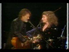 "▶ JUDY COLLINS & KRIS KRISTOFFERSON - ""Me And Bobbi McGee"" - YouTube"