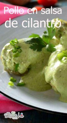 Consiente a tu familia con este delicioso pollo en salsa de cilantro. El pollo queda jugoso por dentro y la salsa es cremosa con mucho sabor. ¡Te encantará!