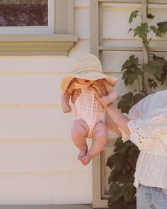 Mom And Baby Photography Discover soft and comfy handmade clothing for babies and kids by CharlieandWill Cute Little Baby, Lil Baby, Mom And Baby, Little Babies, Cute Babies, Baby Kids, Foto Baby, Cute Baby Pictures, Newborn Pictures