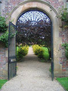 barnard castle gardens, county durham
