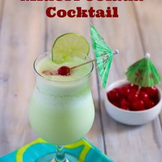 Midori Cocktails, Fall Cocktails, Fall Drinks, Cocktail Drinks, Coctails Recipes, Alcohol Drink Recipes, Pineapple Juice, Necklaces