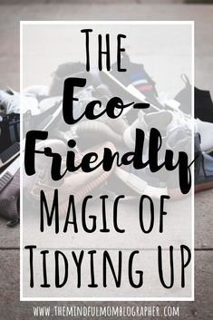 Wondering what to do with all your clutter to avoid it going into the landfill? This guide has tons of resources to help! Plastik Recycling, Feng Shui, Green Living Tips, Green Tips, Green Ideas, Declutter Your Home, Living At Home, Clean Living, Simple Living