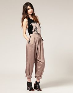I have a feeling these pants are going to be popular again don't know what to think yet. I am sure I will grow to like them.