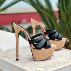 Fashion Shoes Made in Italy Hot Heels, Sexy High Heels, Beautiful High Heels, Platform High Heels, Heeled Mules, Stiletto Heels, Fashion Shoes, Shoe Boots, Latex