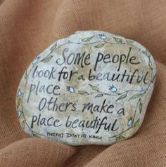 Best Painted Rock Art Ideas with Quotes You Can Do (32)