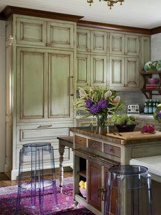 Distressed Kitchen Cabinets, Green Kitchen Cabinets, Kitchen Nook, Kitchen Island, Acrylic Bar Stools, Sage Green Kitchen, Kitchen Trends, Kitchen Ideas, Diy Kitchen
