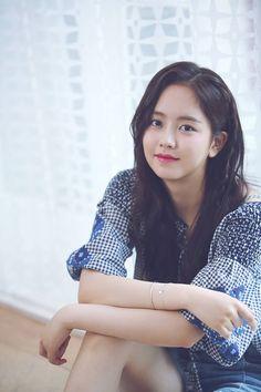 Korean Student Begs Netizens To Tell Her Where Kim So Hyun's School Is. Her reason goes viral — Koreaboo Asian Actors, Korean Actresses, Korean Actors, Kim Son, Kim So Hyun Fashion, Korean Student, Kim Yoo Jung, Kim Ji Won, Child Actresses