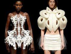 Tentoonstelling van de Nederlandse Mode ontwerpser Iris van Herpen in het Groninger Museum