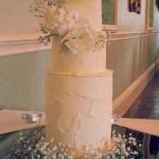 CocoaMoiselle is a confection studio based in Dublin, creating handmade sweets, pastries, personalised wedding and celebration cakes. Types Of Wedding Cakes, Buttercream Wedding Cake, Wedding Cake Rustic, Celebration Cakes, Personalized Wedding, Vanilla Cake, Sweets, Peonies, Handmade