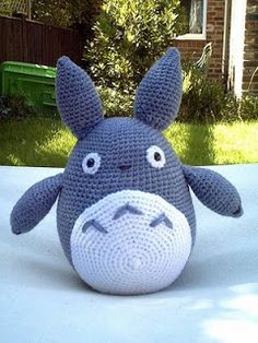 2000 Free Amigurumi Patterns: Totoro: Blue Rabbit Monster