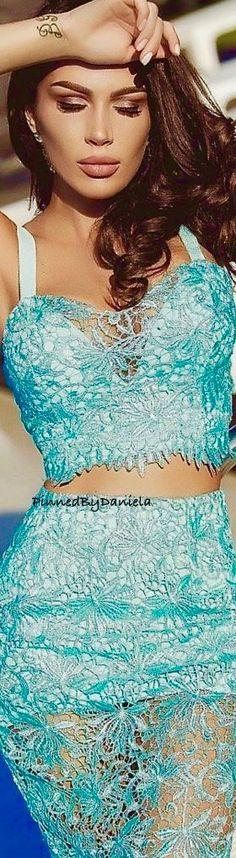 Aqua Color, Color Azul, Aqua Blue, Blue And White, Turquoise Fashion, Blue Fashion, Colorful Fashion, Atmosphere Fashion, Shades Of Turquoise
