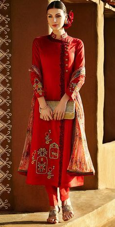 428582 Red and Maroon color family Party Wear Salwar Kameez in Linen fabric with Machine Embroidery, Resham, Thread work . Pakistani Dresses, Indian Dresses, Indian Outfits, Pakistani Suits, Salwar Designs, Blouse Designs, Indian Attire, Indian Wear, India Fashion