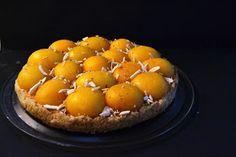 Uma tarte deliciosamente diferente!     A delightfully different tart!       Ingredientes:  (massa)    175g farinha  1 colher (chá) de ferm...