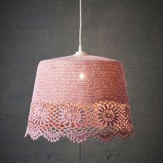 Crochet Lamp, Diy Chandelier, Chandeliers, Crochet Home Decor, Diy Home Crafts, Crochet Accessories, Lamp Shades, Home Art, Crochet Projects
