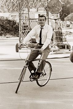 Sean Connery on a bike, does it get any cooler? Image from the book: Old Hollywood On Handlebars