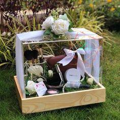 Trays Wedding Gift Wrapping, Wedding Gift Boxes, Diy Wedding Favors, Wedding Crafts, Engagement Gift Baskets, Engagement Decorations, Wedding Decorations, Rustic Wedding Gifts, Luxury Wedding Decor