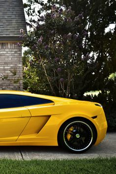 Lamborghini Gallardo yellow back Sexy Cars, Hot Cars, Windows Mobile, Yellow Car, Lamborghini Gallardo, Lamborghini Cars, Car Shop, Modified Cars, Car Wallpapers