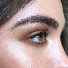 Good brows, good lashes and freckles. Thanks for ticking all my boxes @charlottemorton