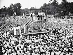 The last public execution in the USA, 1936. UNNERVING HISTORICAL PHOTOS THAT WILL LEAVE YOU SPEECHLESS