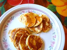COTTAGE CHEESE PANCAKE MINISThese little pancakes were so cute and so tasty! I'm sure they will become a favorite if you do. They are quite low in carbs, so would make a good Atkins Breakfast, Low Carb Breakfast, Breakfast Dishes, Breakfast Recipes, Breakfast Ideas, Banting Recipes, Bariatric Recipes, Low Carb Recipes, Cooking Recipes