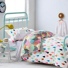 bright and colorful girl bedding, girl bedding and turquoise kid bed, kid room decor, girl room design Cool Girl Bedrooms, Trendy Bedroom, Girls Bedroom, Bedroom Decor, Girl Rooms, Night Bedroom, Bedroom Ideas, Master Bedroom, Girls Room Design