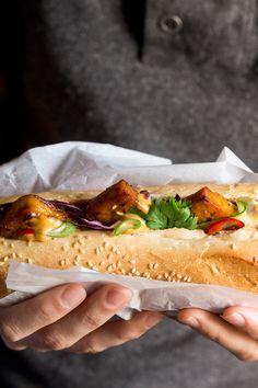 Tofu bánh mì with vegan Sriracha mayo / Recipe